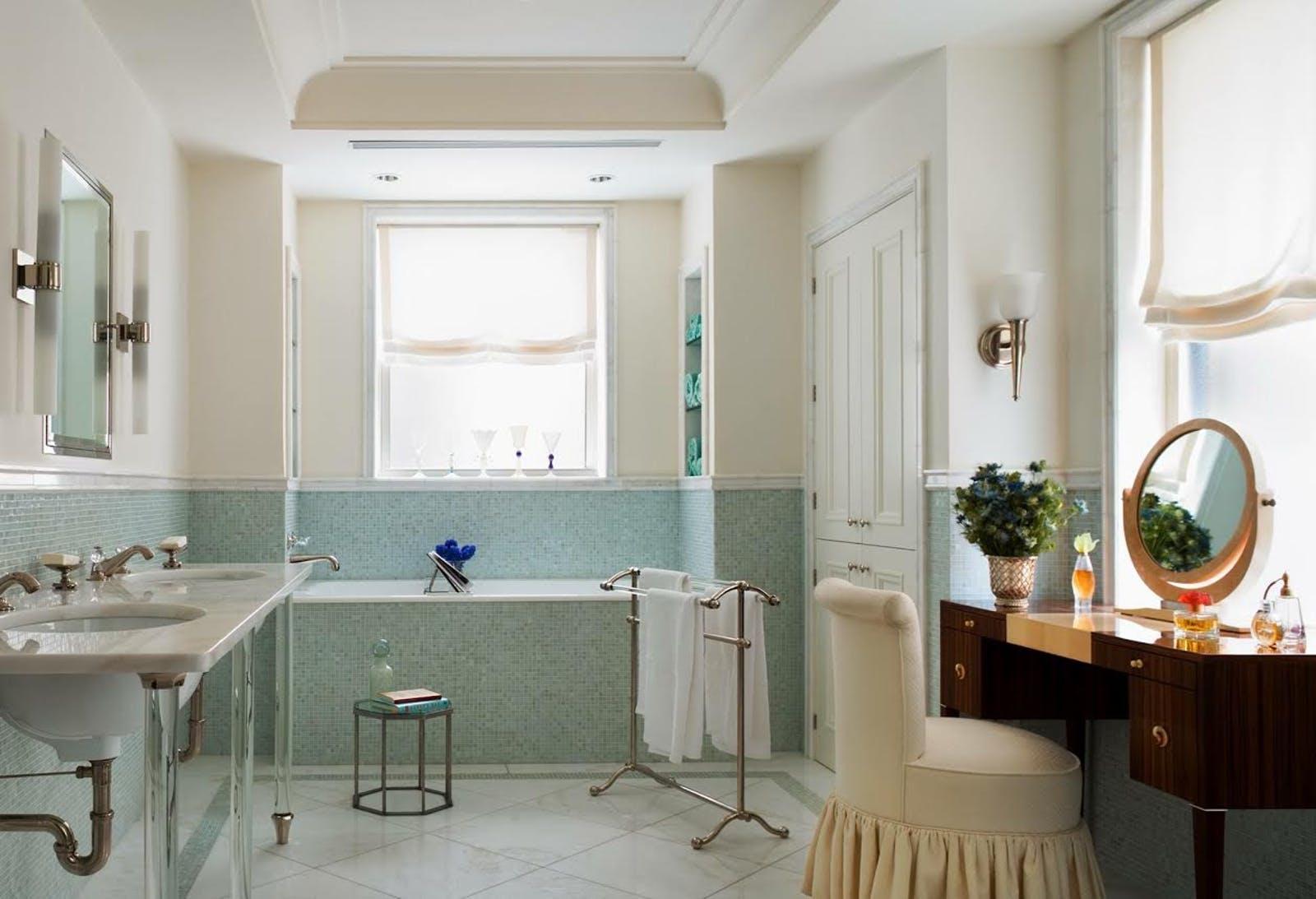 Bathroom. © Gomez Associates